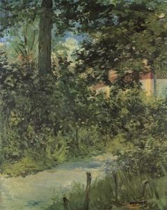 A garden path in Rueil