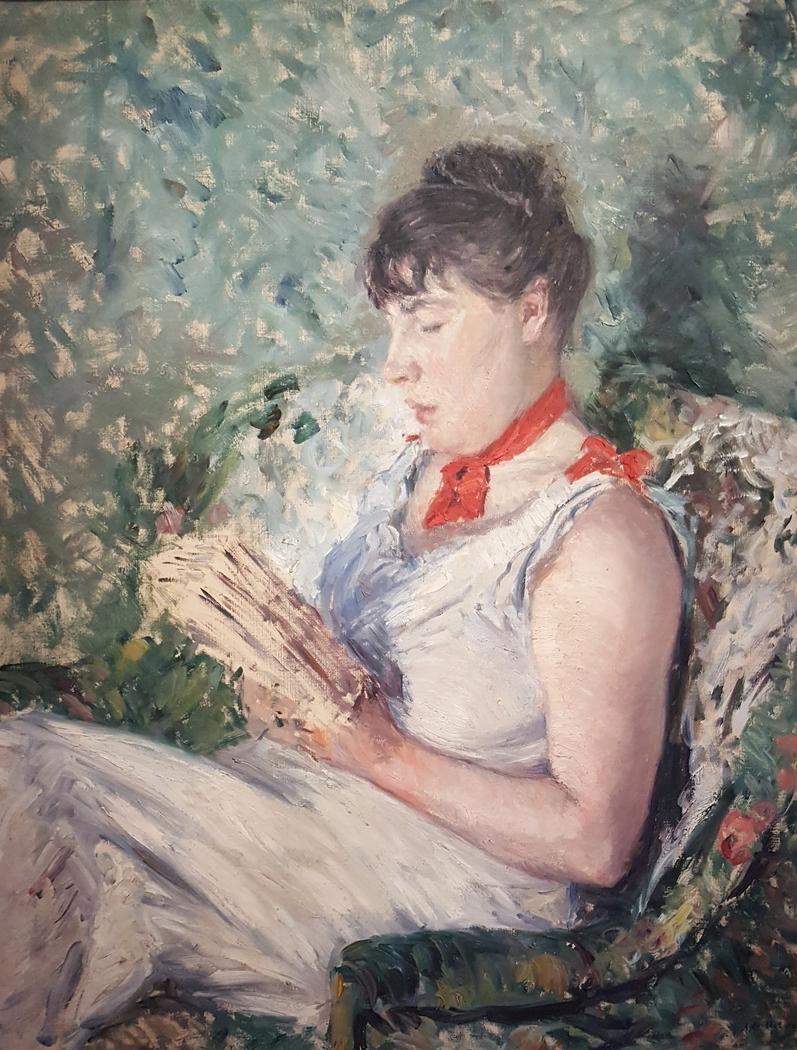 Portrait de femme assise, lisant