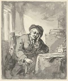 Man zittend aan tafel, het hoofd steunend op de linkerarm