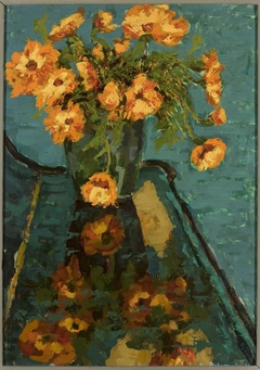 Bouquet of camomiles and a piano