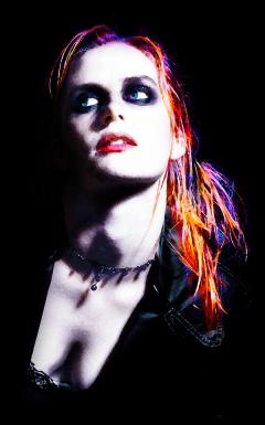 Kristen Stewart - Luminous Punk Glow