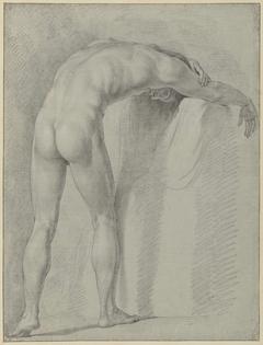Staand mannelijk naakt, voorover gebogen, van achteren gezien