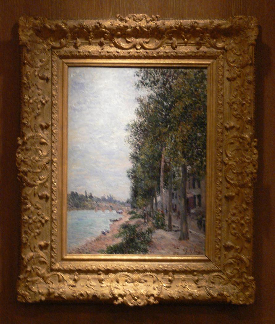 Road along the Seine at Saint-Mammès