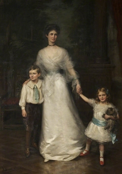 Elizabeth Louisa Penelope Theobald, Countess of Stamford (d.1959) and her two children, Roger Grey, later 10th Earl of Stamford (1896-1976) and Lady Jane Grey, later Lady Turnbull (1899-1991)