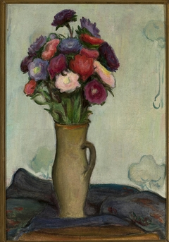 Flowers in a vase /Asters/