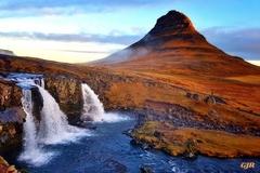 Kirkjufell Landscape Scene