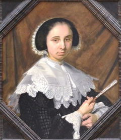 Portrait of a woman in 8 sided frame