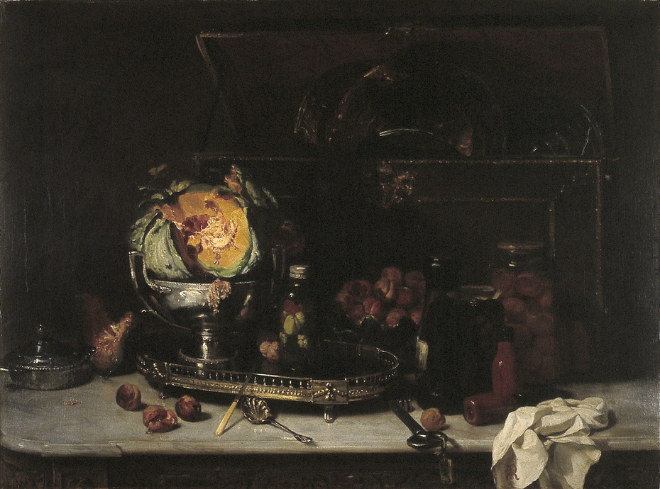 Stilleven met zilveren schaal, kist en potten met geconserveerd fruit