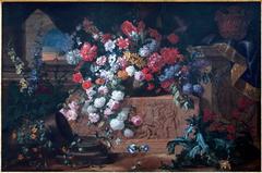 Fleurs et bas-relief antique
