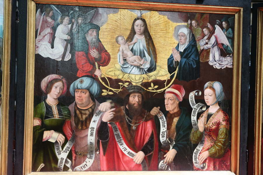 Triptych: Madonna and Child with angels, Anna, Joachim, and Sibyls