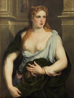Donna con il mantello verde